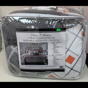 Other - 7 piece comforter set size king
